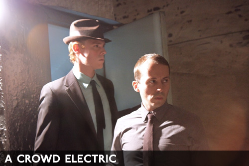 A-crowd-electric